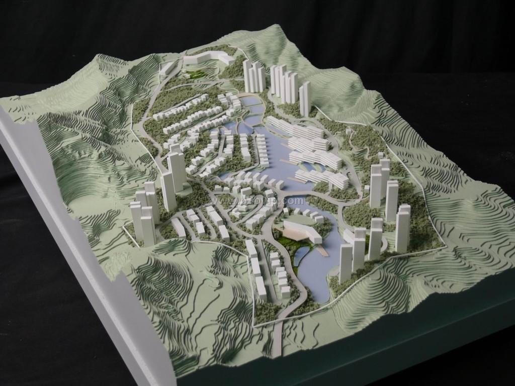 恒信模型有限公司是一家致力于城市规划、房产展示、方案设计、工业设计、建筑模型设计等模型技术开发与制作的专业模型制作公司。 目前公司主要的经典案例有:马来西亚双星塔、巴林皇宫、迪拜沙迦城、迪拜棕榈岛、沙特阿拉伯贸易港口等世界著名项目。 公司最早成立于马来西亚,随着公司的发展壮大,先后在阿联酋迪拜、香港等地增设子公司,法国、瑞士、美国等20多个国家均有项目合作伙伴,制作模型项目成千上万,网络覆盖全球各地。