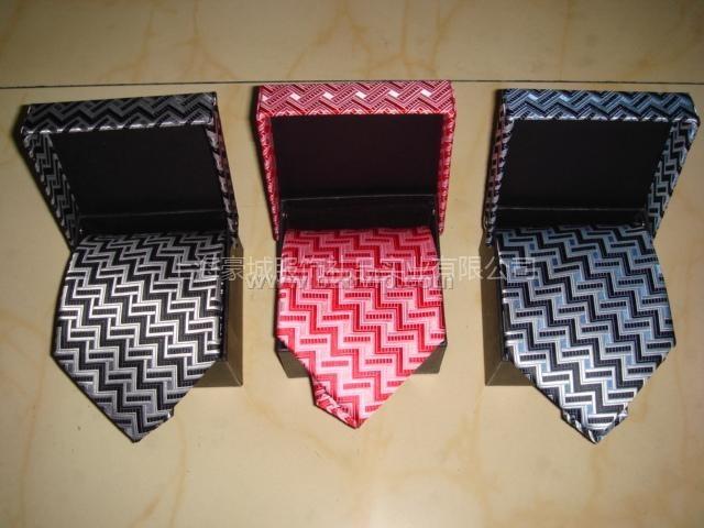 上海领带厂、上海时尚领带定做、上海时尚领带批发商、上海时尚领带专卖店、上海时尚领带订做